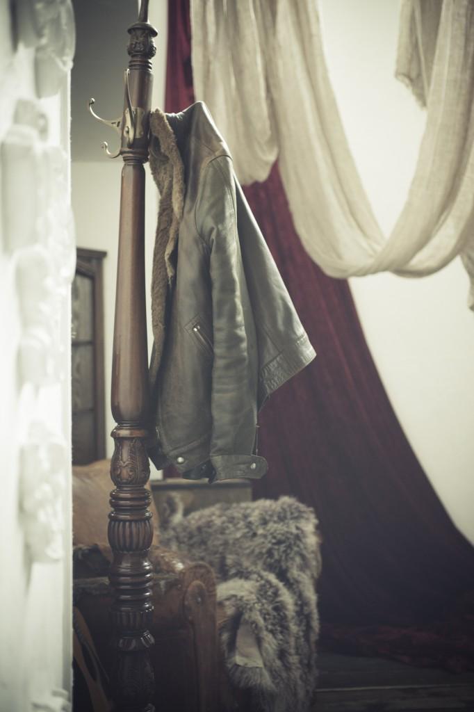 Hanging_jacket