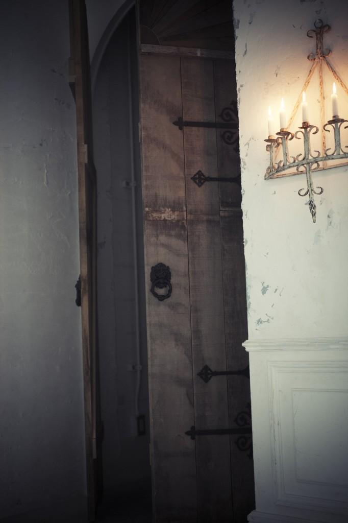 old_door_in_02