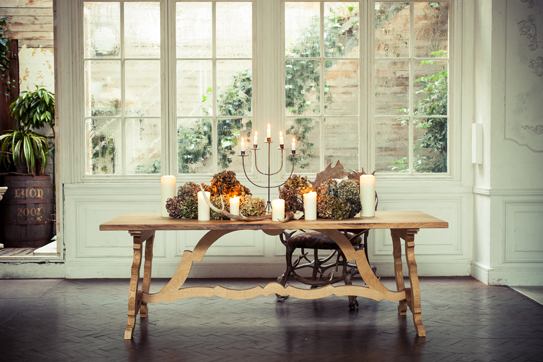 window_and_big_table_top